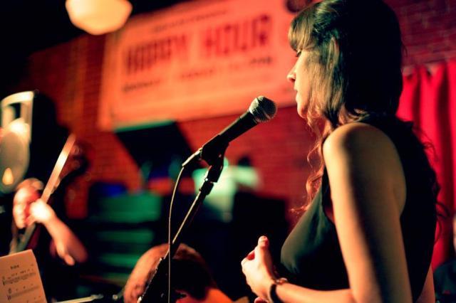 Greenlee at LIC Bar in NYC - Photo by Emergency Bird